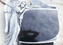 3. Rzeźba Na Nagrobku