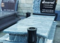97. Rzezby W Pomniku